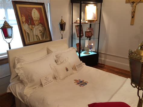 pope francis bedroom pope francis bedroom 28 images pope shuns regal papal