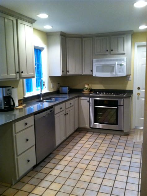 painted gray kitchen cabinets 98 best chalk paint 174 on cabinets images on pinterest