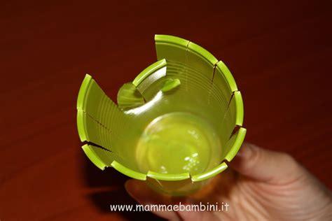 Fiori Con I Bicchieri Di Plastica Decorazioni Con Bicchieri Di Plastica Mamma E Bambini