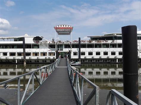 hotel in boat compass river city boat hotel belgrade