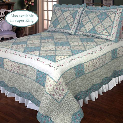 Patchwork Quilts Bedding - blue floral patchwork quilt bedding