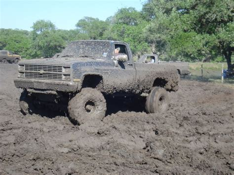 truck mudding chevy mudding lifted trucks chevy trucks