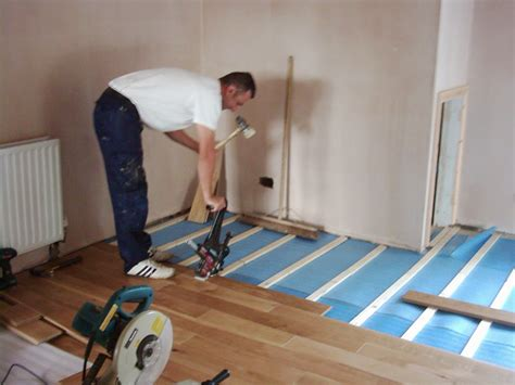 How To Lay A Hardwood Floor by Laminate Flooring How To Prevent Gaps In Laminate Flooring