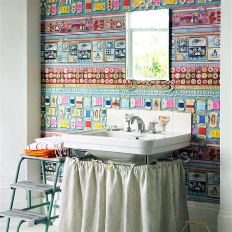 funky wallpapered bathroom decorating ideas  energise