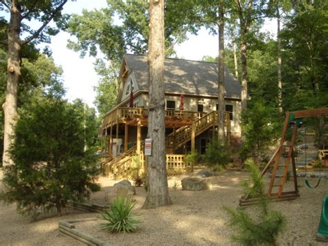 Cabin Rentals In Springs Arkansas by Lazy Lodge