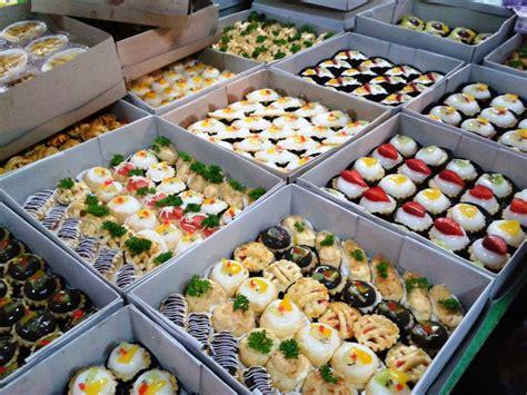 membuat kue basah jajanan pasar love the sunset pasar kue subuh senen