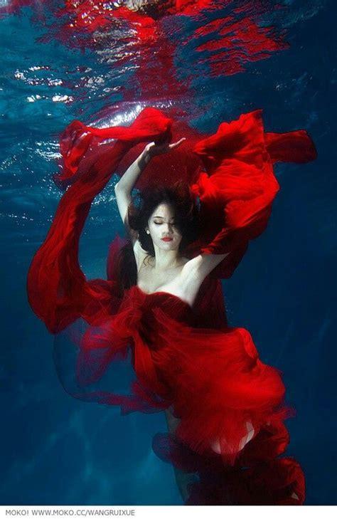 54 best underwater images on pinterest high fashion photography 272 best underwater portraits images on pinterest