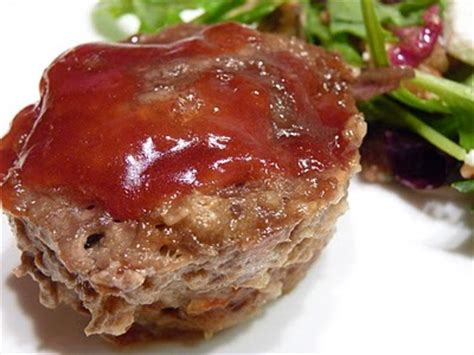 mini meatloaf in muffin pan mini meatloaf 7 delicious muffin tin recipes food