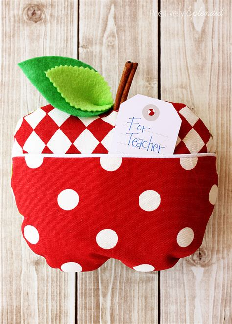 free sewing pattern gift ideas 30 free sewing patterns for the beginning sewer
