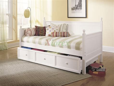 Daybed With Trundle And Mattress Casey Daybed Size Bed W Trundle In Honey Maple White Xiorex
