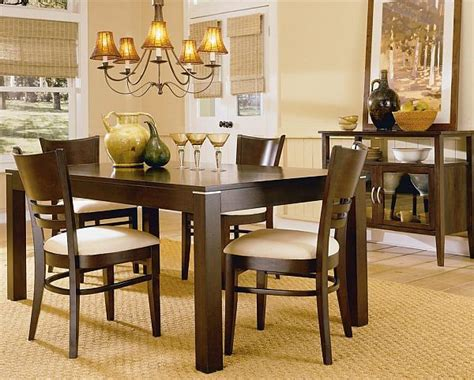 Casual Dining Room | casual dining rooms decorating ideas for a soothing interior