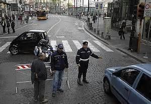 ufficio contravvenzioni napoli comune con pochi vigili bloccate 350 mila multe napoli