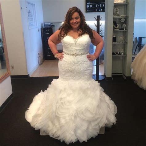 Gaun Wedding 33 tak harus kebaya inilah beberapa gaun pernikahan untuk kamu si tubuh big size
