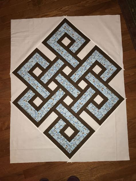 Knot Quilt Pattern Free by Gordian Knot By Whitehead In With This Pattern