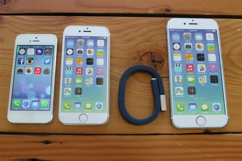iphone 6 plus size comparison here s how big it is digital trends