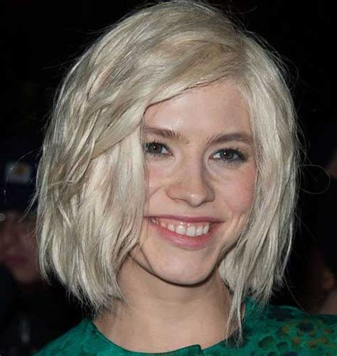 short wedge haircuts with middle part elena perminova medium blonde hairstyle casual everyday