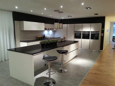 cuisine design le havre cuisine blanche avec grand ilot repas