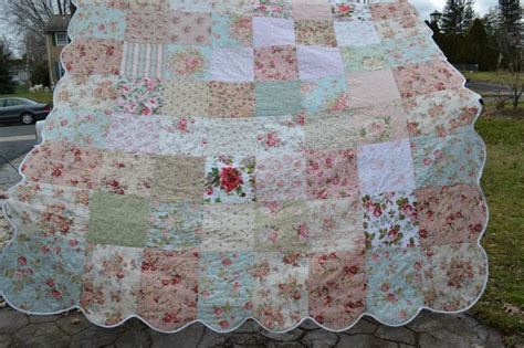 shabby vintage chic queen size bedding quilt roses