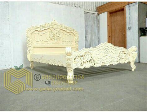 Tempat Tidur Ukiran Klasik tempat tidur klasik ukiran gallery mebel