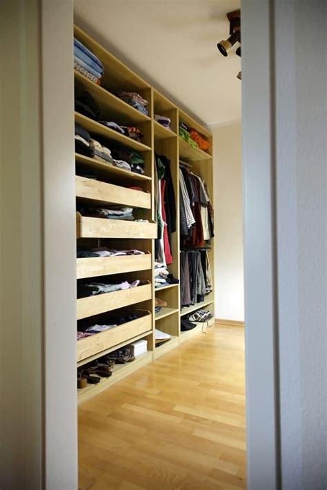 kleiner begehbarer kleiderschrank begehbarer kleiderschrank der frauentraum