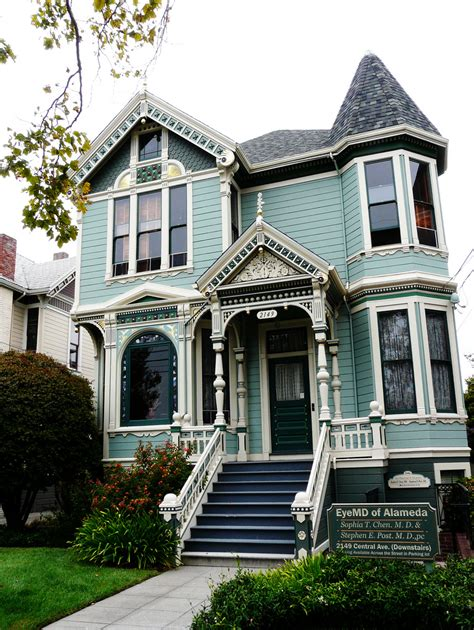 Victorian House Styles | authentic victorian style house remodel