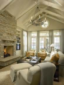 vaulted living room living room with vaulted ceiling facemasre com
