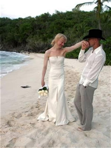 renee zellweger wedding dress who is