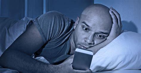 vijf redenen waarom een smartphone  bed een slecht idee