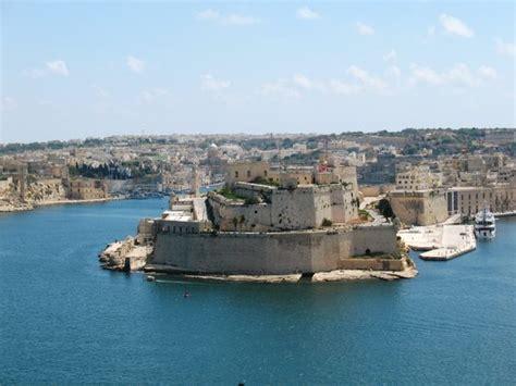 porto la valletta malta la valletta porto viaggi vacanze e turismo turisti per