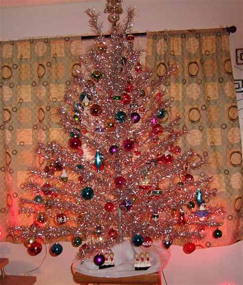 image gallery old fashioned aluminum christmas tree