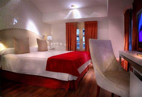 imagenes romanticas en jacuzzi habitaciones con jacuzzi rom 225 ntico hotel spa con jacuzzi