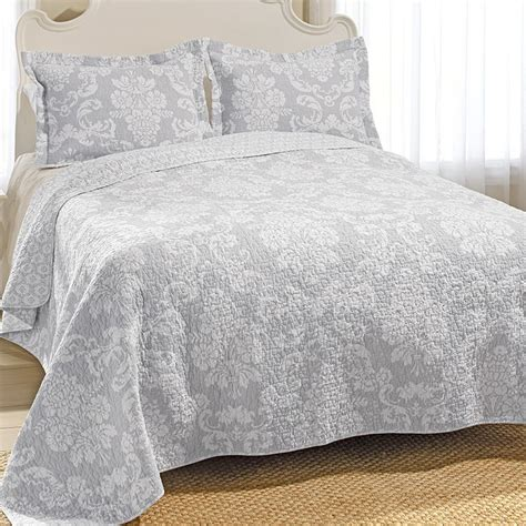 laura ashley quilts and coverlets 78 best laura ashley bedding images on pinterest bedroom