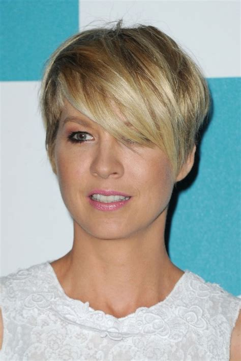 hairstyles for short hair razor cut most popular short haircut for women jenna elfman