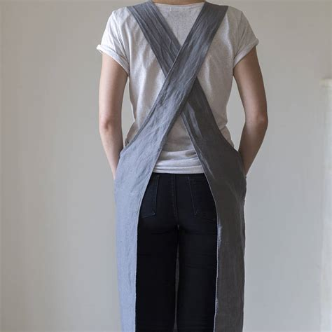 pattern for an artist s smock linen artisan cross over apron by the linen works
