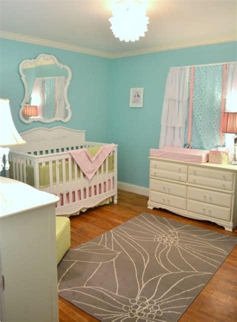 Bien Chambre Jaune Et Gris #2: chambre-enfant-bleu-parquet-bois.jpg