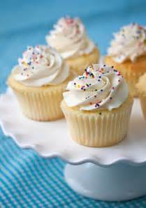 Vanilla cupcakes for childrens