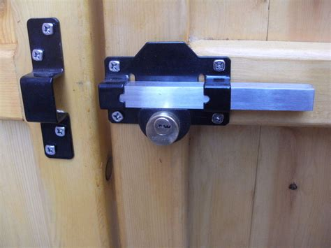 keyed alike gate lock throw for garden gate shed