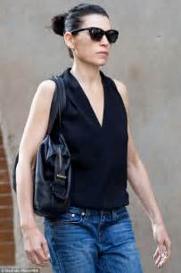 julianne margulies skinny the good wife s julianna margulies shows off her slender