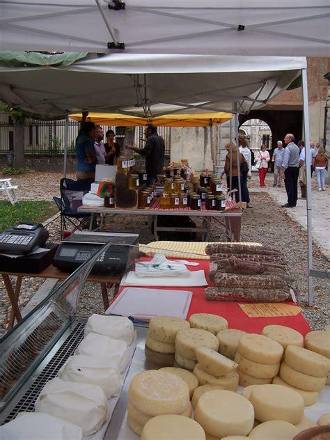 mercatino pavia il mercatino enogastronomico della certosa di pavia aperto