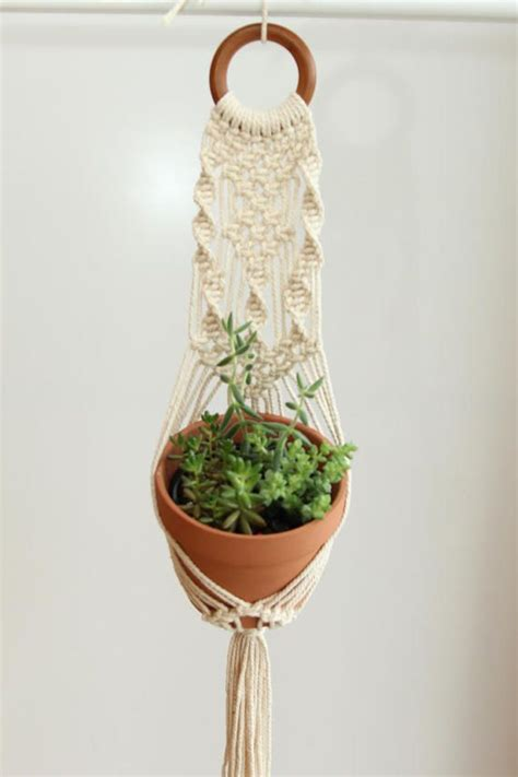 Pattern For Macrame Plant Hanger - best 25 macrame plant hanger patterns ideas on