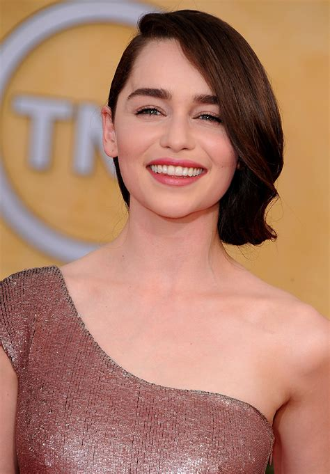 emilia clarke pubic hair s pubic hair trends in game of thrones hairstylegalleries com