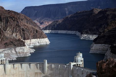 Lake Mead Bathtub Ring Colorado River Drought Forces A Painful Reckoning For