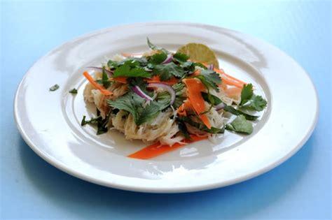 simple rice noodle recipe   tangy tamarind sauce