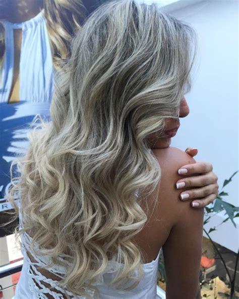 braune straehnchen auf verschiedenen haarfarben