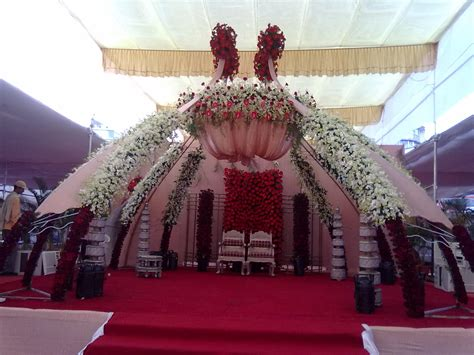 White Wedding Stage Decoration by Stage Decoration And White Flower For Wedding 2014