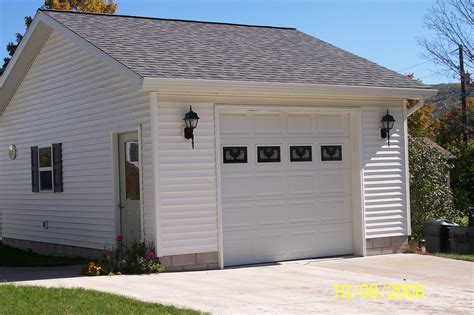 Single Detached Garage by Garages Wes Potter Construction Inc