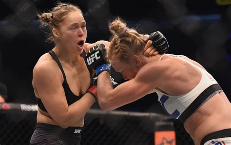 rhonda rousey seattle mist look twitter reacts in shock to holly holm s ko of ronda