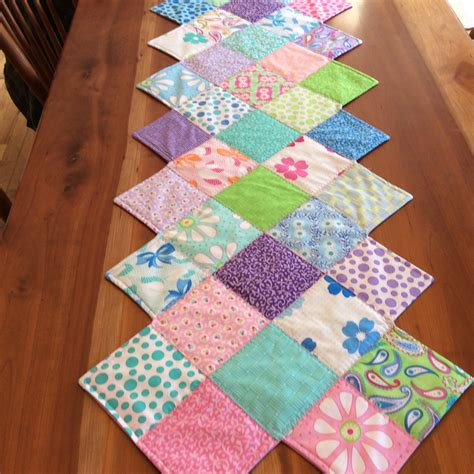 This Zig Zag Runner Is So Easy To Quilting Digest