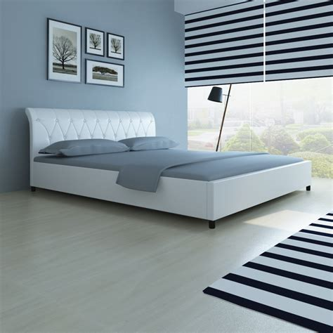 White Quilted Bed Frame White Faux Leather Bed 180 X 200 Cm White Quilted Mattress Lovdock