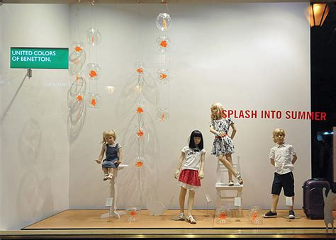 budapest retail design window display benetton window